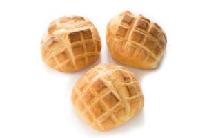 Tre pagnotte tipo tartaruga, pane italiano